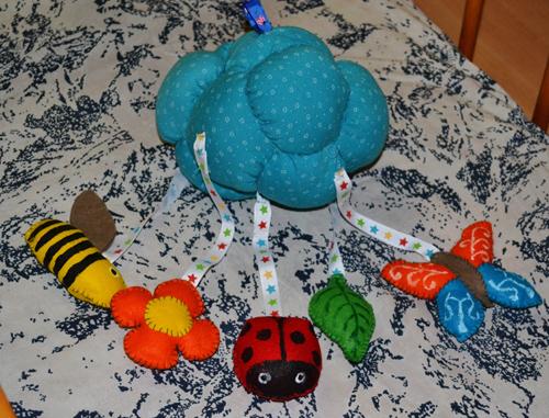 Мобиль своими руками из вязаных игрушек