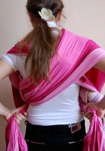 Колыбель в кресте над карманом.  Инструкция к слингу шарфу.