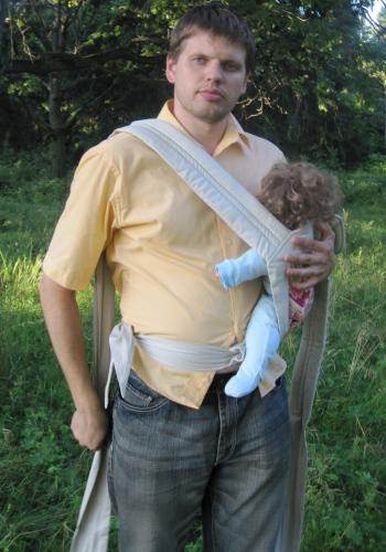 Инструкция к май-слингу. Положение на бедре. Фото. Интернет-магазин MamaMia.By. Слинги, слингокуртки, одежда для кормящих мам и